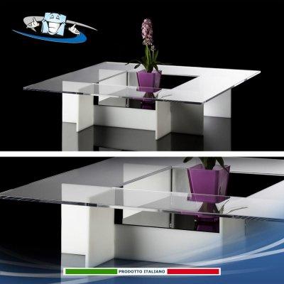 Tavolino in plexiglass dal design elegante e moderno